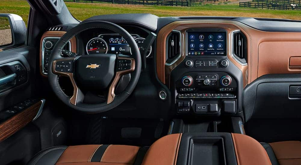 The black and brown interior is shown on the 2021 Chevy Silverado 1500.
